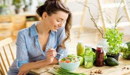 Bí quyết giúp chị em ăn thoải mái dịp Tết Tân Sửu mà không lo bị tăng cân