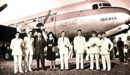 Chuyến bay mất tích 37 năm bất ngờ trở về với 57 hành khách trẻ măng gây xôn xao