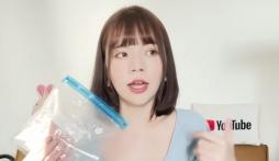 Nữ youtuber xinh đẹp ngã ngửa khi phát hiện 'dung dịch lạ' trong lúc review đồ dành cho chị em phụ nữ