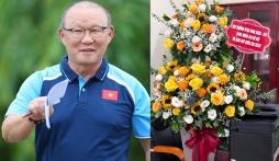 HLV Park Hang-seo tặng quà đặc biệt cho Quang Hải và đồng đội tại Hà Nội FC
