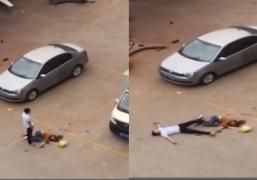 Kinh hoàng clip chồng đâm chết vợ giữa phố vì không cho ngủ cùng