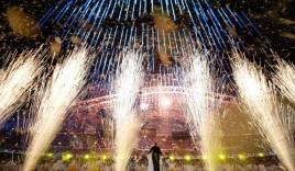 Cận cảnh lễ bế mạc lộng lẫy của Olympic Sochi