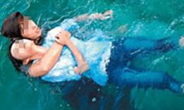 2 nữ sinh chết đuối vì đi tắm sông