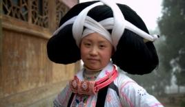 Sốc với những chiếc mũ trang sức làm từ tóc người chết