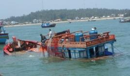 Tàu cá Lý Sơn bị 'tàu lạ' đâm chìm khiến 1 người chết, 1 người mất tích