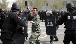 Phá nhóm khủng bố Tân Cương, Trung Quốc đang 'đổ thêm dầu vào lửa'