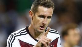 Klose phá kỷ lục ghi bàn của huyền thoại Gerd Muller