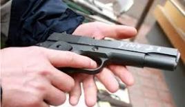 Sử dụng súng tự chế bắn chủ của hàng gạo cướp tài sản