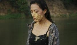 Tina Tình bị tạt thẳng trứng thối vào mặt vì lăng nhăng
