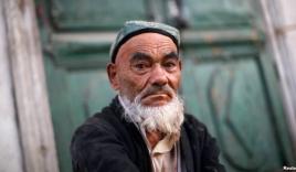 Trung Quốc cấm người râu rậm đi xe bus