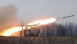 Xe chở người tị nạn Ukraine bị rocket thiêu rụi