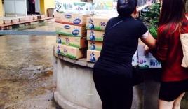 10 thùng sữa đổi lấy 5 phút vào thăm bé 'có giòi' chùa Bồ Đề