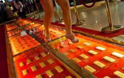 Đại gia chơi ngông dùng hàng trăm kg vàng lót đường đi