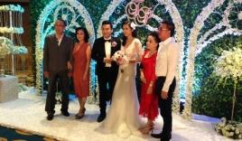Lam Trường hạnh phúc rạng ngời cạnh cô dâu xinh đẹp trong lễ cưới