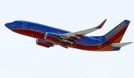 Hạ máy bay khẩn cấp vì hành khách chuyển dạ