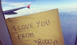 """Thông điệp cuối cùng của tiếp viên chuyến bay QZ8501: """"Em yêu anh từ 11.582 mét"""""""