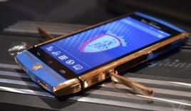 Cận cảnh 'siêu' smartphone pin chờ 1000 giờ