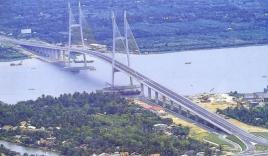 Tuyên bố tự tử rồi lên nhảy cầu Mỹ Thuận