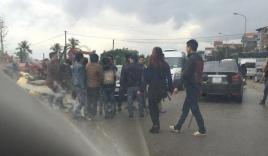 Chặn xe hoa 'cướp' cô dâu ở Hà Nội