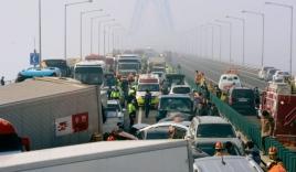 Hàn Quốc: Hơn 100 xe đâm nhau liên hoàn, hàng chục người thương vong