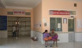 Đem thi thể bé sơ sinh đến 'vây' bệnh viện