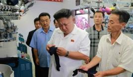 Kim Jong-un thích in hình mèo Hello Kitty, gấu Pooh lên vớ