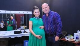 Chồng Tây nhất mực bảo vệ Thu Minh ở hậu trường Vietnam Idol 2015 tập 6
