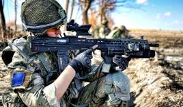 Súng trường 'khủng' của QĐ Anh với tốc độ bắn gần 800 viên/phút