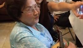 Video: Mẹ Hoài Linh khoe giọng hát cùng Chí Tài