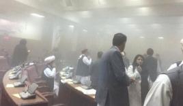 Video: Khoảnh khắc Taliban tấn công tòa nhà Quốc hội Afghanistan