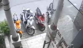 Video: Bẻ khóa, trộm xe SH trong nháy mắt trước thẩm mỹ viện