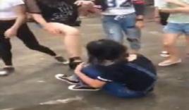 Dư luận TQ phẫn nộ vụ nữ sinh đánh bạn túi bụi