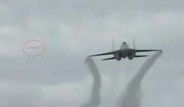 Video: Nghi án UFO xuất hiện giữa màn trình diễn của chiến đấu cơ Su-35