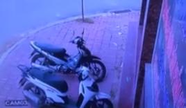 Video: Bẻ khóa trộm xe SH trong vòng 10s ngay trước cửa nhà