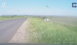 Video: Ô tô lộn hàng chục vòng tài xế vẫn sống sót thần kỳ