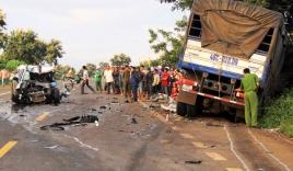 Tông trực diện xe tải, một cảnh sát giao thông tử vong