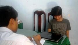 Đang ngồi học, nữ sinh bị kẻ lạ xông vào khống chế cướp laptop