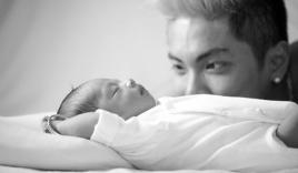 Khánh Thi, Phan Hiển không ngại khoe ảnh cận cảnh con trai