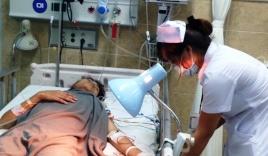 Nhập viện do bị đồng nghiệp đâm thủng phổi