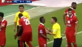 Video: Trọng tài thổi phạt đền như 'nhận độ' tại AFC Champions League