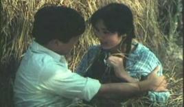 Cảnh nóng 'thiêu đốt màn ảnh' của phim Việt xưa