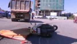 Tai nạn giao thông, bé gái 5 tuổi hoảng loạn bên thi thể mẹ
