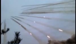 Choáng ngợp cảnh phóng rocket ào ào như pháo hoa đêm giao thừa