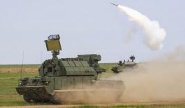 Pháo phòng không Nga vừa di chuyển vừa nã tên lửa
