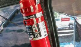 Trang bị bình chữa cháy trên xe ô tô: Người thấy bàng quan, người than lãng phí