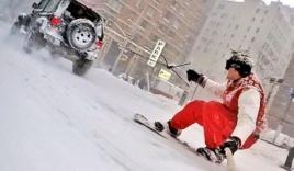 Sốt với video trượt tuyết giữa đường phố New York