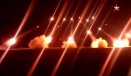 Video: 'Bão lửa' BM-21 Grad cháy sáng trong đêm