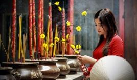 Phong tục ngày Tết: Đi chùa thế nào cho đúng