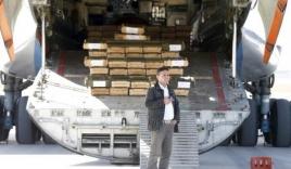 Video: 10.000 khẩu súng trường Nga mang 'tặng' Afghanistan