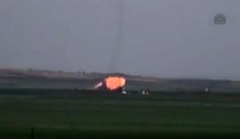 Video: Chiến đấu cơ Su-22 bị tên lửa bắn hạ, phi công bị bắt sống